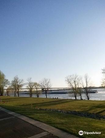 密西西比河岸綠化帶公園4