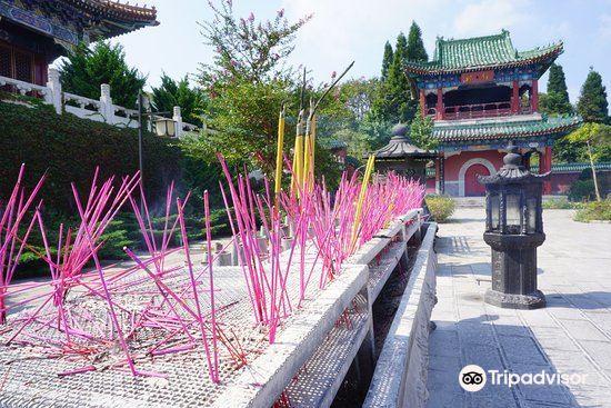 Zhangjiajie Puguang Temple1