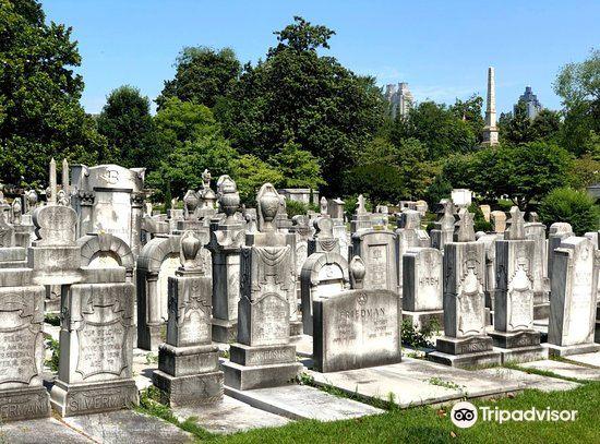 Oakland Cemetery1