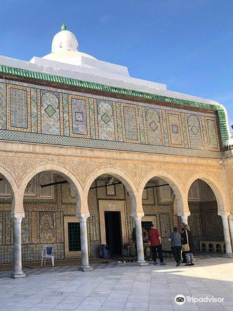 Mosque Sidi Sahbi (Mosque of the Barber)1