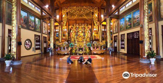 Ba Vang Pagoda