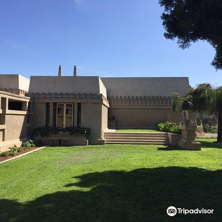 Hollyhock House3