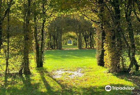 Le Jardin des Sculptures Chateau de Bois Guillbert