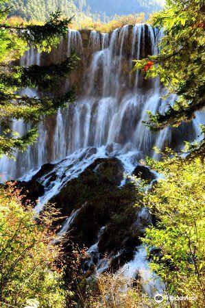 Xiongmaohai Waterfall2