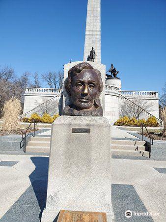 Lincoln Tomb & War Memorials2