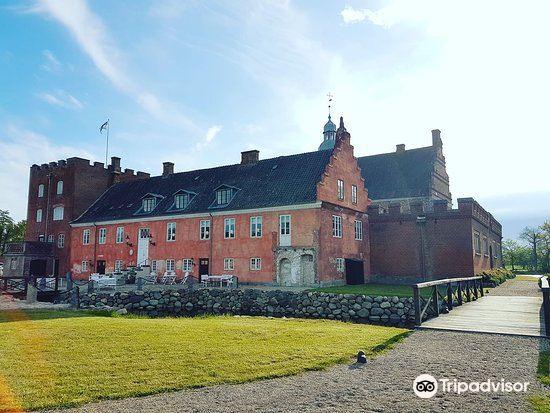 Broholm Castle2