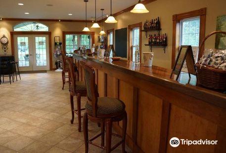 Grovedale Winery & Vineyard
