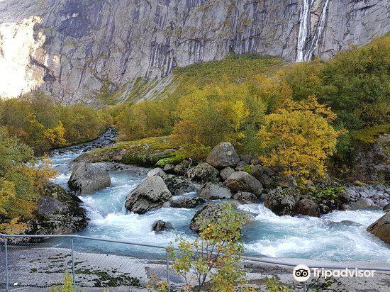 Briksdal Glacier (Briksdalbreen)4
