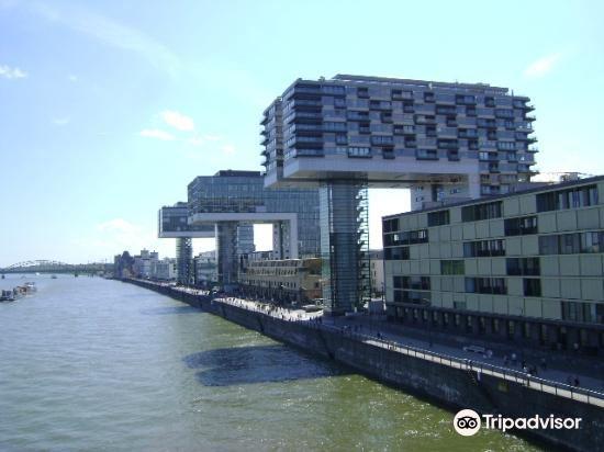 Kranhauser im Rheinauhafen2
