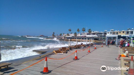Paphos Municipal Beach4