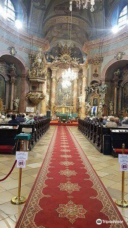 Kostol Trinitarov3