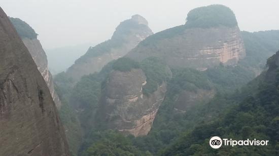 Baijiaozhai Mountain4