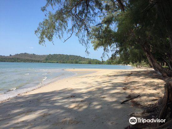 Khlong Son Beach2