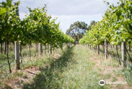 Purple Hen Winery