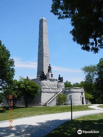 Lincoln Tomb & War Memorials3