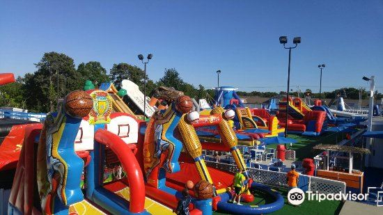 Cape Cod Inflatable Park3