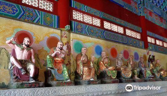 Zhangjiajie Puguang Temple3