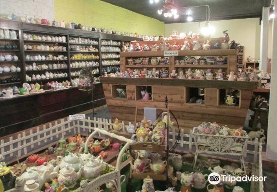 Teapot museum3