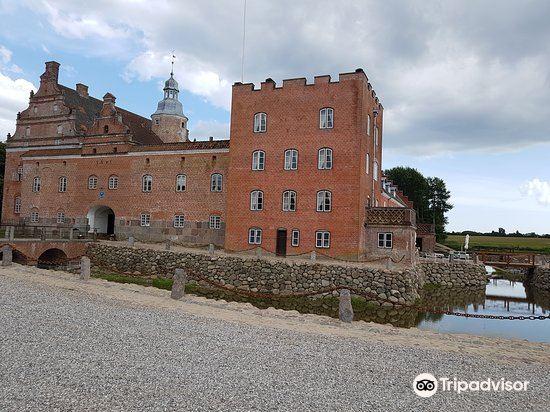 Broholm Castle4