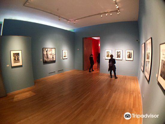 フォーム写真美術館2