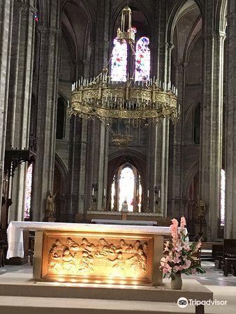 布日大教堂1