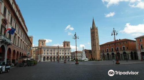 Piazza Aurelio Saffi