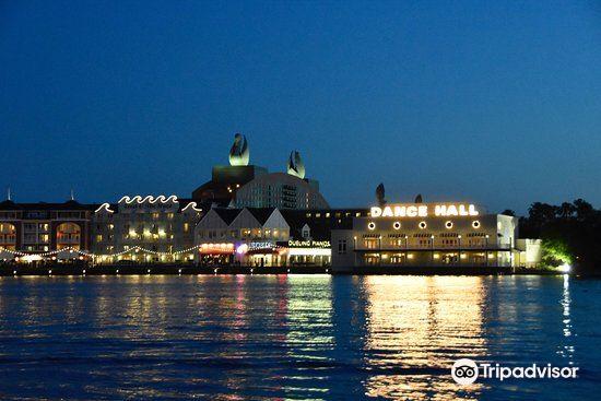 Disney's Boardwalk2