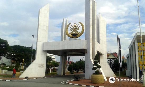 Maziah Palace2
