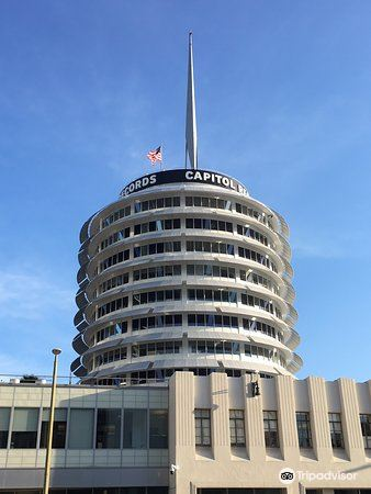 Capitol Records Building4