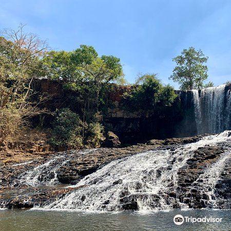 Bousra Waterfall4