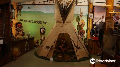 Featured Wood Gallery & Museum