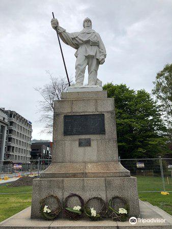 Robert Falcon Scott Memorials3