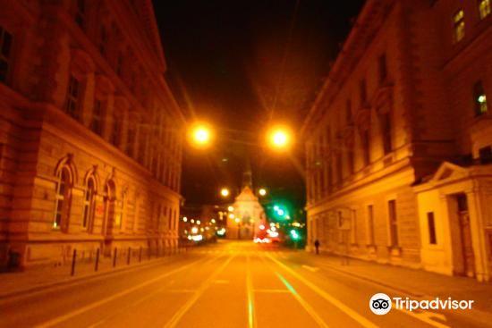 Kostel Jana Amose Komenskeho - Cerveny Kostel2