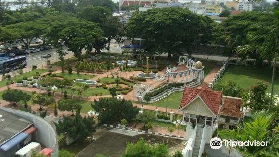 Maziah Palace1