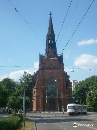 Kostel Jana Amose Komenskeho - Cerveny Kostel4