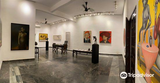 Craig Thomas Gallery1