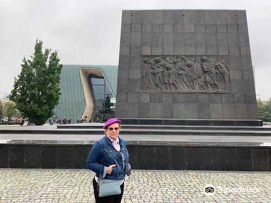 Pomnik Bohaterów Getta3