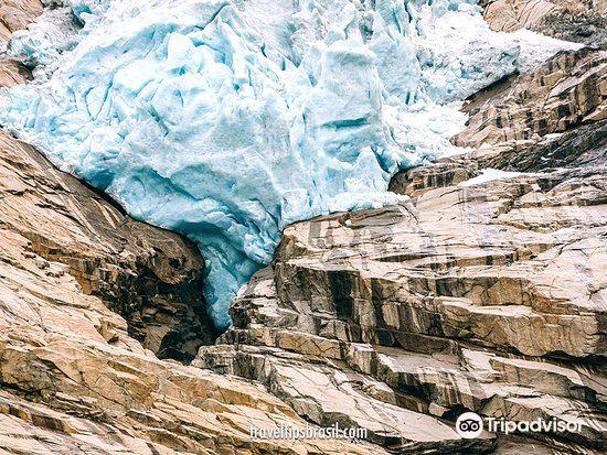 Briksdal Glacier (Briksdalbreen)1