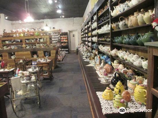 Teapot museum2