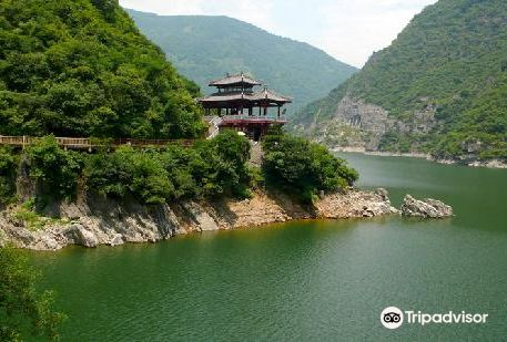 Hanzhong Baoxie Plank Road