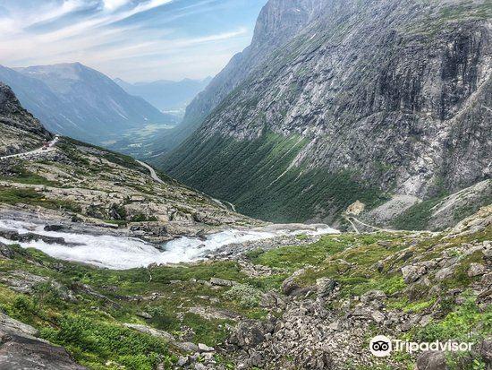 Stigfossen Waterfall2