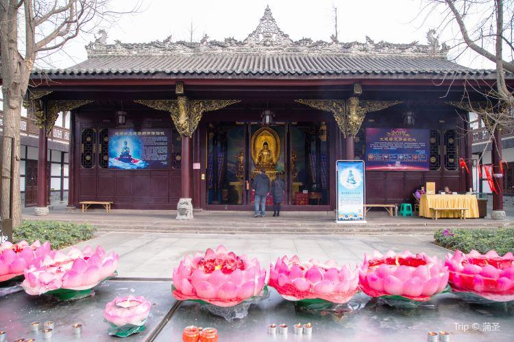 Daci Temple1