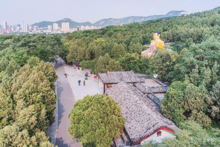 Thousand Buddhas Mountain2