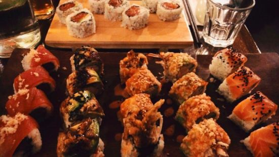 J2 grill & Sushi bar