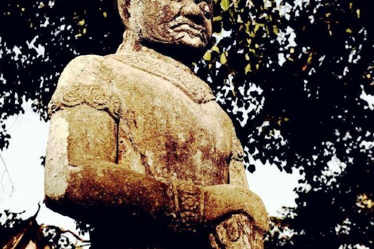 Wat Nokor3