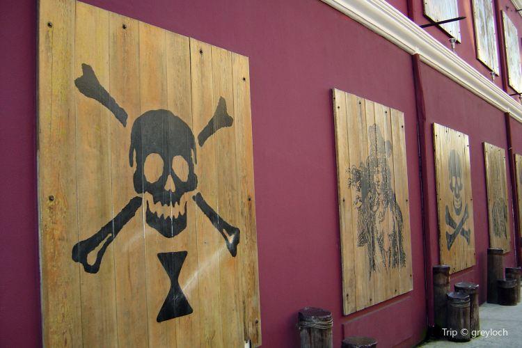 Pirates of Nassau2