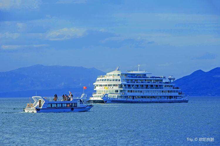 Erhai Lake Cruise4