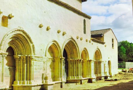 Cayac修道院