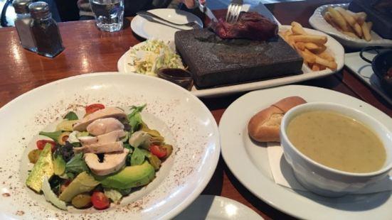 Mackenzies Bar & Restaurant The Heritage
