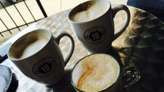 10 Johnson Avenue Coffee